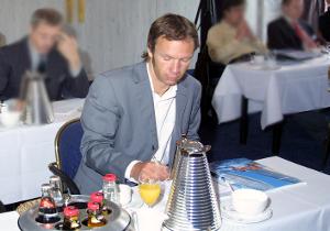 ras Texter aus Köln Pressekonferenz